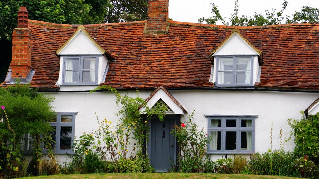 Decorating Tips for an Inviting, Cozy English Cottage Styled Homes ...